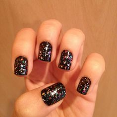 Manicure Monday Bonfire Night Special: The Best Nails On Twitter 05/11/12 | Grazia Beauty