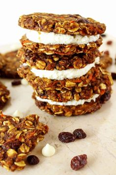 These Healthy Carrot Cake Cookies taste just like the popular cake, but are so easy to make and take half the time! This scrumptious dessert is also high in protein, gluten free, and refined sugar free! Healthy Carrot Cakes, Carrot Recipes, Healthy Cookies, Healthy Dessert Recipes, Healthy Treats, Gluten Free Carrot Cake, Vegan Recipes, Vegan Sweets, Vegan Desserts