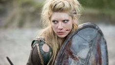 Katheryn Winnick Workout and Diet: Learn how Katheryn Winnick trained and the workout and diet she used to prepare to become Lagetha from Vikings! Bjorn Lothbrok, Lagertha Lothbrok, Katheryn Winnick, Lady Sif, Alexander Ludwig, List Of Tv Shows, Best Tv Shows, Viking S, Viking Woman