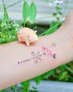 Hamsa Tattoo, Arm Tattoo, Body Art Tattoos, Tattoo Drawings, Small Tattoos, Delicate Tatoos, Picture Tattoos, Tattoo Pics, Cool Tats