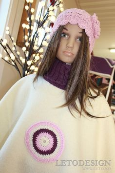 Ponsjo offwhite med lilla dekor (001)str 4-5år Off White, Crochet Hats, Design, Fashion, Moda, La Mode, Fasion, Design Comics, Fashion Models