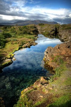 :: By Manυ - I've always wanted to go to Iceland! Beautiful World, Beautiful Places, Beautiful Pictures, Oh The Places You'll Go, Places To Visit, Iceland Island, Espanto, Thingvellir National Park, Rando