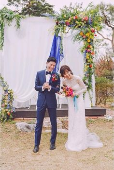 6 Korean celebrities who opted for a small, private wedding Yoon Seung Ah and Kim Moo Yeol Wedding Flower Decorations, Wedding Bouquets, Wedding Dresses, Floral Wedding, Wedding Colors, Wedding Flowers, Private Wedding, Korean Wedding, Glamorous Wedding