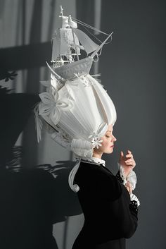 Russian artist Asya Kozina makes baroque-inspired wigs out of paper. She also made these Mongolian wedding costumes. Out of paper. Paper Fashion, Fashion Art, 3d Paper Art, Paper Artist, Marie Antoinette, Baroque, Caroline Reboux, Wedding Costumes, High Art