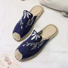 efdd6e29909 Fashion Embroidered Espadrille Flat Slippers – judedress Zapatos Cómodos, Zapatos  Dama, Zapatos Pintados,