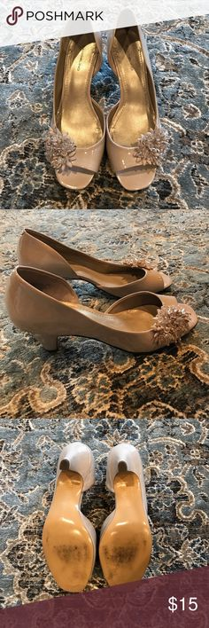 Bandolino dressy heels. Nude. These are pretty shoes with a pretty beaded floral applicay  at the toes. Size 11. Very good condition. Heel approx an inch and a half. Life Stride Shoes Heels