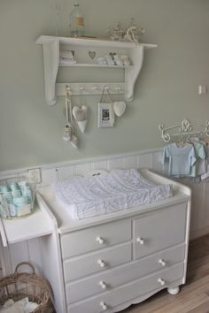 *nursery shelf!!!!! Where do i get it??