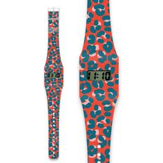 Pappwatch - LEOPARD ROUGE  The Pappwatch – its sleek and simple design will fit any wrist! Equally suitable for people of all ages and backgrounds - men, women, children and anyone in between. Like all of our products it comes in a huge variety of different styles, from colourful Different Styles, Simple Designs, Cow, Pajama Pants, How To Make, Backgrounds, Children, Paper, Women