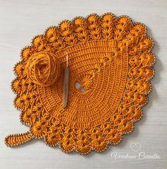 Crochet Mat, Crochet Carpet, Crochet Home, Filet Crochet, Crochet Leaf Patterns, Crochet Leaves, Crochet Flowers, Crochet Placemats, Crochet Doilies