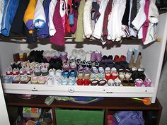 great website about storing doll clothing & accessories
