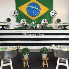 Decoração da festa de Breno- tema futebol brasileiro