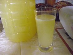 Domácí lift (pro Raky) Beverages, Drinks, Destiel, Glass Of Milk, Food And Drink, Pudding, Smoothie, Recipes, Syrup