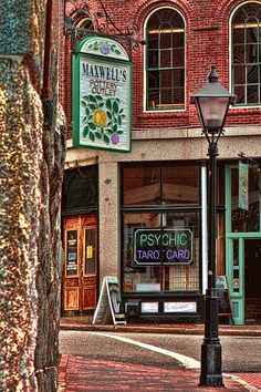 Maxwell's Pottery, Portland, Maine love Maine! Portland is a wonderful, interesting small city. We hope to visit again soon!