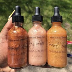 Residence of the most beautiful gloss, along with lip care, and shimmery body oils, all affordable! Body Glitter Spray, Shimmer Body Oil, Lip Care, Body Care, Parfum Victoria's Secret, Best Lip Gloss, Lipgloss, Mac Lipsticks, Body Makeup
