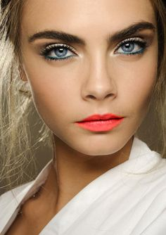Spring beauty inspiration - recreate the look with Sonia Kashuk's Satin Luxe Lip Color (with SPF!) in Vivid Coral