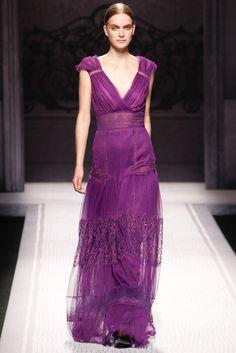 Alberta Ferretti Fall 2012 Ready-to-Wear Fashion Show - Mirte Maas