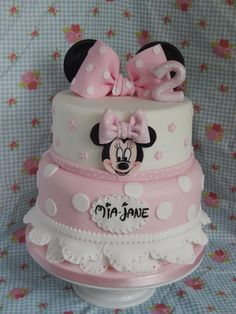 Spotty Minnie cake - Cake by Elizabeth Miles Cake Design Minnie Mouse Birthday Theme, Mickey Mouse Clubhouse Cake, Theme Mickey, Mickey And Minnie Cake, Pink Birthday Cakes, Custom Birthday Cakes, Minnie Mouse Baby Shower, Mickey Cakes, Minni Mouse Cake