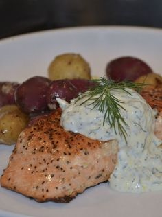 Salmon with a Lemon, Caper, and Dill Yogurt Sauce by Necessary Indulgences. Salmon Recipes, Fish Recipes, Sauce Recipes, Seafood Recipes, Cooking Recipes, Healthy Recipes, Salmon Meals, Healthy Meals, Dill Sauce For Salmon