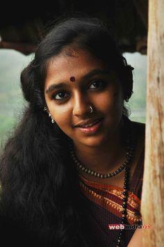 Beautiful Girl Indian, Beautiful Black Women, Lakshmi Menon, Indian Face, Pinterest Girls, Saree Photoshoot, Dark Beauty, India Beauty, Stylish Girl