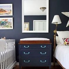 How to turn one room into two! (Ideas via the link in our bio). #SOdomino #smallspaces Photo via @involvingcolor.
