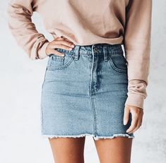 30 Best Summer Outfits Stylish and Comfy Simple denim skirts can go with so much they make outfits easy The Best of fashion trends in Jean Skirt Outfits, Outfit Jeans, Denim Skirts, Denim Skirt Outfit Winter, Outfit With Skirt, Sweatshirt Outfit, Denim Overalls, Denim Mini Skirt, Dress Outfits