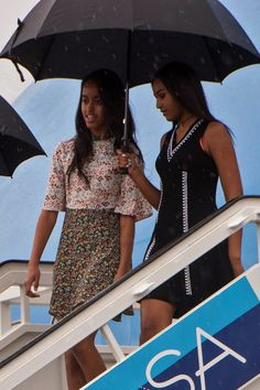 Malia and Sasha Obama Outshine Their Parents With Their Sweet Sister Moments in Cuba