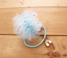 ダイソーのチュール生地で簡単可愛いヘアゴムを量産!|LIMIA (リミア) Hair Jewelry, Hair Accessories, Drop Earrings, Band, Cute, Handmade, Sash, Hand Made, Kawaii