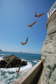 Cliff Diving In Mazatlan Mexico.    I could tell that was Mazatlan as soon as I saw this pic. been there & have seen these crazy cliff divers!