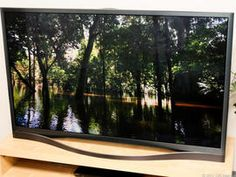 The is the best-performing plasma TV we've ever tested in bright rooms, and its dark room picture is good enough to challenge the best Panasonics. Tv Options, Lg Oled, Plasma Tv, Samsung Tvs, Bright Rooms, Flat Panel Tv, Room Pictures, Cool Tech, Best Tv