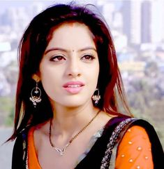 Look at this beautiful girl ❤ she is so pretty as always. love you so much dii 😘😍. Beauty Full Girl, Cute Beauty, Beauty Women, Beautiful Saree, Beautiful Bride, Indian Tv Actress, Indian Actresses, Deepika Singh, Saree Models