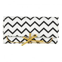 Nobodinoz Zig Zag Triangles Changing Mat `One size Details : Cotton, Polyamide, Polyester, Zig zag stripes, Strings, 1 storage pocket, 1 integrated pocket * Color : Black, White * 57 x 35 cm. * Made in : Spain * Machine washable, 30°C max http://www.MightGet.com/january-2017-13/nobodinoz-zig-zag-triangles-changing-mat-one-size.asp