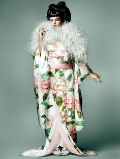 Fashion editorial, Miranda Kerr by Mario Testino for Vogue Japan November 2014 Mario Testino, Kimono Japan, Japanese Kimono, Japanese Fashion, Foto Fashion, Kimono Fashion, High Fashion, Vogue Japan, Miranda Kerr Photoshoot
