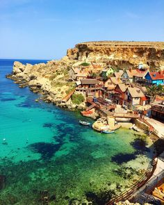 While only a tiny country, Malta is truly a historic wonderland. Here are ten things that should be on every Malta itinerary! Places To Travel, Places To See, Travel Destinations, Malta Vacation, Vacation Spots, Vacation Ideas, Malta Holiday, Bósnia E Herzegovina, Malta Beaches