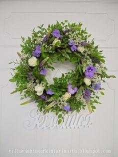 Rippijuhlat Food Decoration, Flower Arrangements, Floral Wreath, Wreaths, Garden, Party, Flowers, Home Decor, Floral Arrangements