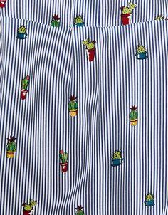 Camisas estampada. Descubre ésta y muchas otras prendas en Bershka con nuevos productos cada semana