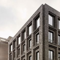 """DSDHA's+Corner+House+boasts+a+hidden+roofscape+adorned+with+""""crystalline+pavilions"""""""