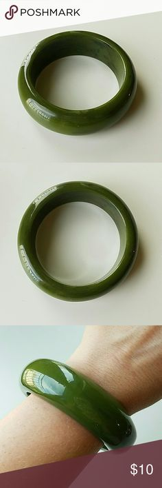 Selling this Green plastic bangle on Poshmark! My username is: fancyballer. #shopmycloset #poshmark #fashion #shopping #style #forsale #Jewelry