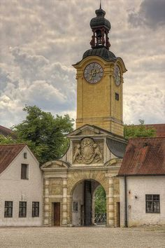Ingolstadt - Germania Cities In Germany, Visit Germany, Frankenstein, Austria, Big Ben, Buildings, Places, Food, Ancient Architecture