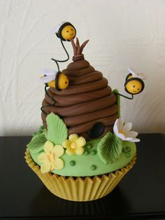 Honey bee cupcake | Flickr - Photo Sharing!