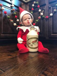 Baby Elf on the Shelf - An Elf Named Violet : Got Syrup? Elf on the Shelf Baby Costume. Baby Elf on the Shelf. Elf on the Shelf Costume. Elf on the Shelf Ideas. Baby Christmas Photos, Holiday Pictures, Christmas Baby, Funny Christmas Pictures, The Elf, Elf On The Shelf, Christmas Preparation, Baby Costumes, Baby Elf Costume