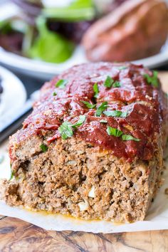 Paleo Meatloaf with Ketchup! before and after bread Paleo Meatloaf with Ketchup! before and after bread Whole 30 Diet, Paleo Whole 30, Whole 30 Recipes, Recipes With Dates, Sin Gluten, Whole30 Meatloaf, Clean Eating Meatloaf, Paleo Turkey Meatloaf, Gluten Free Meatloaf
