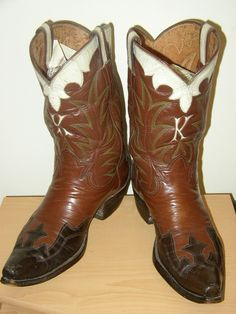Boots by Carl McDowell, from the Vintage Cowboy (thanks)