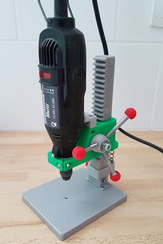 perceuse a colonne dremel - drill press by 3d Printer Designs, 3d Printer Projects, Arduino Projects, Dremel 3d Printer, Diy 3d Drucker, Useful 3d Prints, Dremel Drill, 3d Templates, 3d Printed Objects