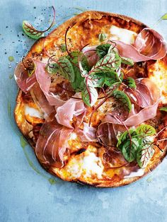 PIZZA NIGHT PROSCIUTTO + BUFFALO MOZZARELLA PIZZA