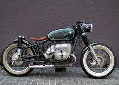 Cette Bomber BMW, comme ils l'appellent, est à vendre par nos amis de Motor Circus. Pour en savoir plus, ne...