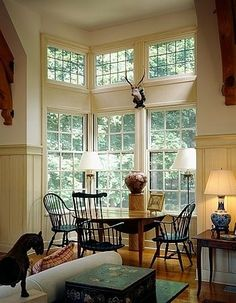 I love these windows. If we could afford them, I'd replace the sun room windows. Deco Champetre, Bay Window, Beautiful Interiors, My Dream Home, Dream Homes, Great Rooms, Decoration, Living Spaces, Sweet Home