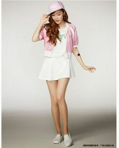 Girls' Generation's Jessica becomes the model for popular China sports brand Li-Ning.