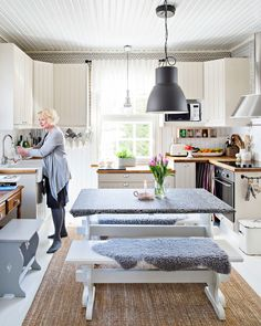 puutalo Inkeroisissa Tallit, Koti, Cupboards, Kitchen, Home Decor, Gate Valve, Armoires, Closets, Cooking