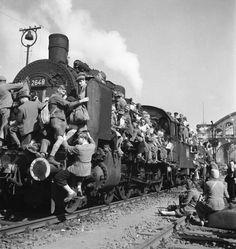 WW2 photos of refugees fleeing europe - Αναζήτηση Google