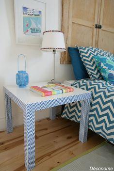 IKEA hack lack table with chevron duct tape  Relooking d'une table lack IKEA avec du duct tape (scotch) à chevrons bleu et blanc
